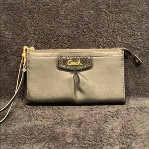 COACH  black leather wallet/wristlet